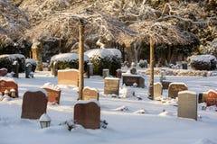 Paesaggio di inverno del cimitero Fotografie Stock Libere da Diritti
