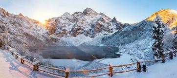 Paesaggio di inverno del oko di Morskie in Tatra immagini stock libere da diritti