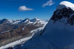 Paesaggio di inverno delle alpi e del supporto svizzeri Breithorn, Svizzera Fotografie Stock Libere da Diritti