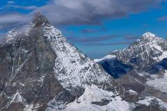 Paesaggio di inverno delle alpi svizzere con il Cervino, Svizzera Fotografia Stock Libera da Diritti