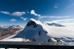 Paesaggio di inverno delle alpi svizzere e supporto Breithorn, cantone del Valais Fotografie Stock