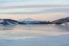 Paesaggio di inverno delle isole di Lofoten fotografia stock libera da diritti
