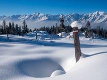 Paesaggio di inverno nelle alpi con Karwendel Immagini Stock