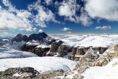 Paesaggio di inverno nelle dolomia fotografia stock
