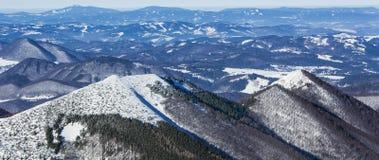 Paesaggio di inverno, parco nazionale Mala Fatra e Tatras basso, Slovacchia Fotografia Stock