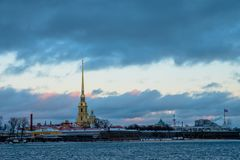 Paesaggio di inverno di Sankt-Peterburg fotografie stock