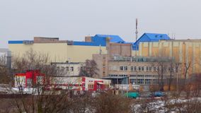 Paesaggio di inverno Zona industriale della città cityscape stock footage
