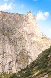 Paesaggio di luce del giorno, vista sulle montagne e rocce, Ergaki Immagine Stock Libera da Diritti