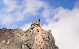 Paesaggio di luce del giorno, vista sulle montagne e rocce, Ergaki Immagini Stock Libere da Diritti