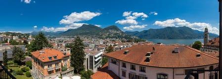 Paesaggio di Lugano dalla città, estate fotografia stock
