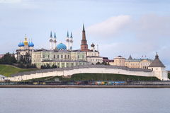 Paesaggio di mattina con una vista sul Cremlino in città Kazan, Russia Immagine Stock Libera da Diritti