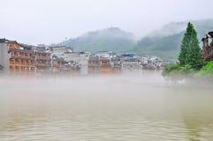 Paesaggio di mattina della città antica di FengHuang Immagini Stock Libere da Diritti