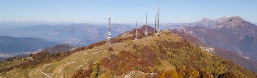 Paesaggio di mattina sulla pianura di Padana con alti inquinamento ed umidità nell'aria Immagini Stock
