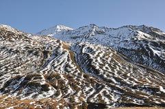 Paesaggio di neve e della montagna immagini stock
