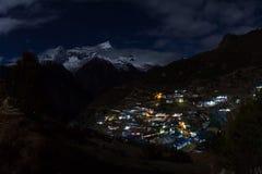 Paesaggio di notte in alte montagne Fotografia Stock Libera da Diritti