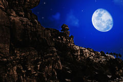 Paesaggio di notte con la luna Fotografia Stock