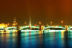 Paesaggio di notte con un ponticello Immagini Stock Libere da Diritti