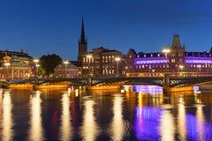 Paesaggio di notte di Città Vecchia a Stoccolma, Svezia Fotografie Stock