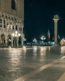 Paesaggio di notte in San Marco Square Venice fotografia stock libera da diritti