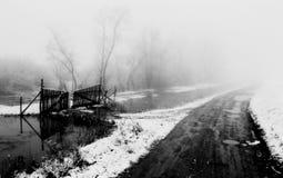 Paesaggio di orario invernale con vecchie porte Fotografie Stock