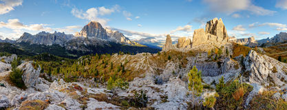 Paesaggio di panorama della montagna delle dolomia, alpe dell'Italia Immagini Stock Libere da Diritti