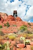 Paesaggio di pietra rosso del sedona con la cappella santa Fotografie Stock Libere da Diritti