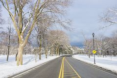 Paesaggio di Snowy nell'inverno fotografie stock