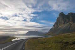 Paesaggio di stupore dei fiordi orientali in Islanda fotografie stock