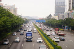 Paesaggio di traffico della sezione di Baoan dell'autostrada nazionale di Shenzhen 107 Immagine Stock