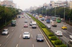 Paesaggio di traffico della sezione di Baoan dell'autostrada nazionale di Shenzhen 107 Fotografie Stock
