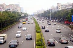 Paesaggio di traffico della sezione di Baoan dell'autostrada nazionale di Shenzhen 107 Fotografia Stock Libera da Diritti