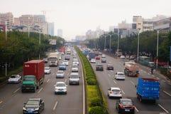 Paesaggio di traffico della sezione di Baoan dell'autostrada nazionale di Shenzhen 107 Fotografia Stock