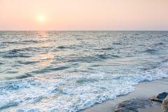 Paesaggio di tramonto del mare Fotografia Stock