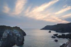Paesaggio di tramonto della baia di Kynance Immagine Stock Libera da Diritti