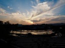 Paesaggio di tramonto della foresta e del parco nella città della Corea Cheongju immagine stock libera da diritti