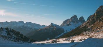 Paesaggio di Val di Fassa Dolomites, vista da Passo Pordoi Immagine Stock