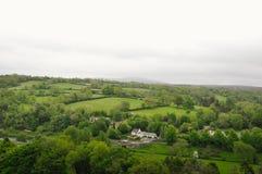Paesaggio di verde dell'Irlanda fotografia stock