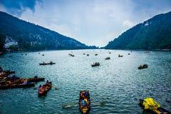 Paesaggio di viaggio del lago Fotografia Stock
