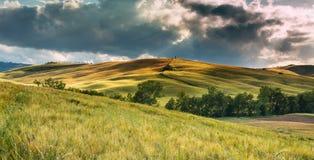 Paesaggio drammatico della Toscana, Italia Fotografie Stock