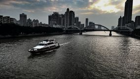 Paesaggio drammatico di tramonto sul fiume delle Perle Fotografia Stock