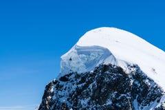 Paesaggio e posto della montagna delle alpi per lo sci al Cervino Switz Fotografia Stock