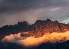 Paesaggio epico della montagna dell'Himalaya, Nepal immagini stock