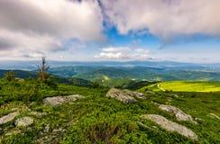 Paesaggio epico nella cresta carpatica dell'alta montagna Fotografia Stock Libera da Diritti