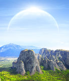 Paesaggio fantastico con il pianeta fotografie stock libere da diritti