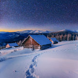 Paesaggio fantastico di inverno Cielo stellato fotografia stock libera da diritti