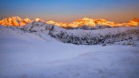Paesaggio fantastico di inverno, Passo Giau con Ra Gusela famoso, NU fotografia stock