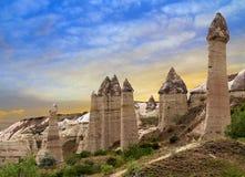 Paesaggio Goreme Cappadocia Turchia della montagna Immagini Stock Libere da Diritti