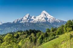 Paesaggio idilliaco nelle alpi bavaresi, Berchtesgadener della montagna Fotografie Stock