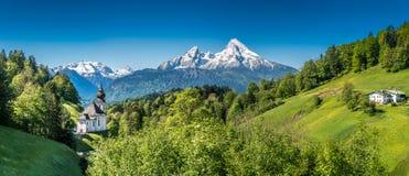 Paesaggio idilliaco nelle alpi bavaresi, Berchtesgadener della montagna Immagine Stock Libera da Diritti