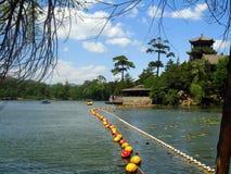 Paesaggio idillico del lago Fotografia Stock